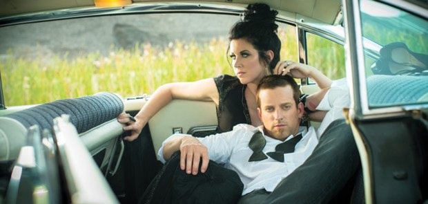 THOMPSON SQUARE IS A COUPLE TO BE ADMIRED