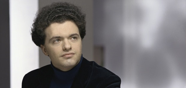 Evgeny Kissin makes CSO Debut on Mother's Day