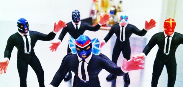 Enter to win tickets to see Los Straitjackets & Fleshtones