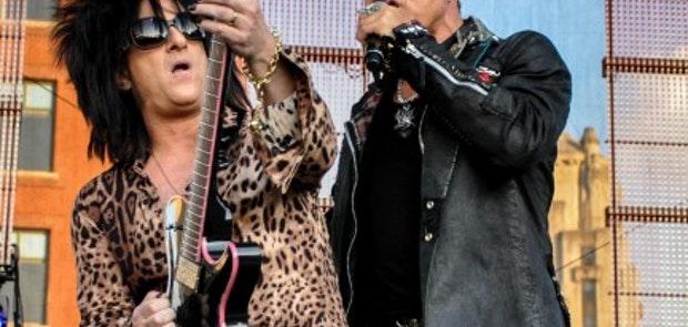 Billy Idol :: Jewels Yoga Photography