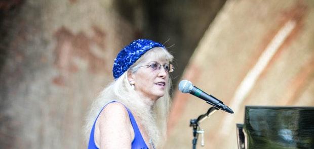 Liz Pennock and Dr. Blues :: KP Photography