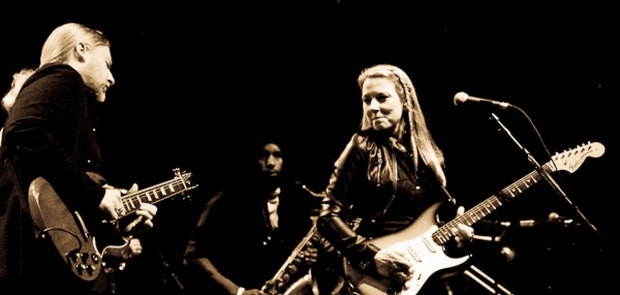 Tedeschi Trucks Band :: Phil Dawson