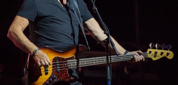 Moody Blues :: Mike Howard - SportsPhotoGuys.com