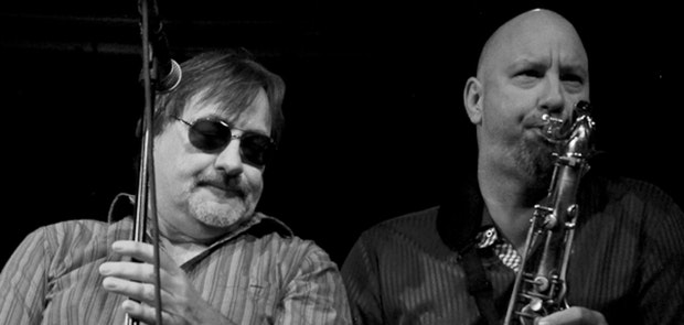 Southside Johnny and the Asbury Jukes :: Phil Dawson