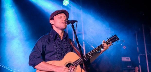 Ryan Montbleau :: Chromatic Anthem