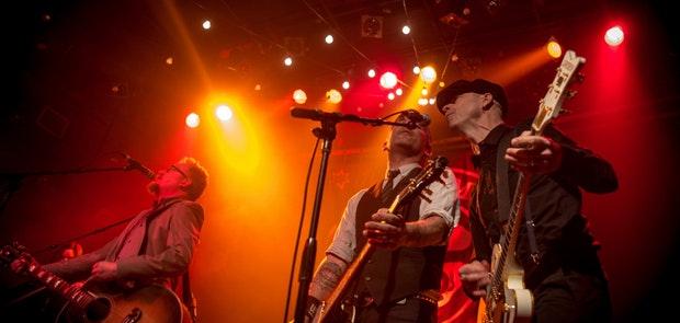 Flogging Molly :: Chromatic Anthem