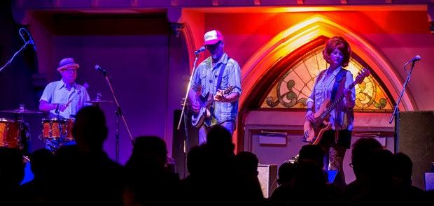 Southern Culture On The Skids :: Photo by Wayne Litmer