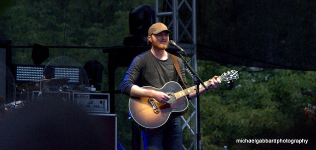 Buckle Up 2014 :: Eric Paslay :: photo courtesy of Michael Gabbard Photography