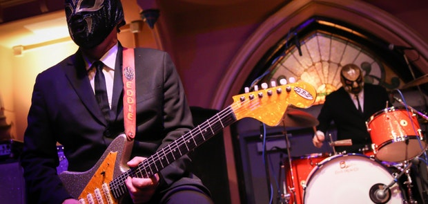 Los Straitjackets :: Courtesy of Matt Steffen Photography