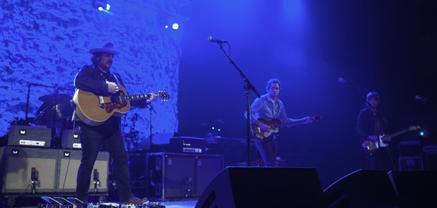 Photos of Wilco at The Taft Theatre. Courtesy of Michael Kearns (fftv media)