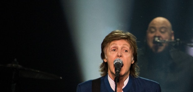 "<span class=""photo"" data-photo-id=""25791""></span><span class=""st_sharethis_button photo_sharethis"" st_url=""http://cincymusic.com/photos/2016/07/paul-mccartney#photo25791"" st_image=""http://cincymusic.com/images/photos/t_578312c1e226f.jpg"" displayText=""Share""></span>"