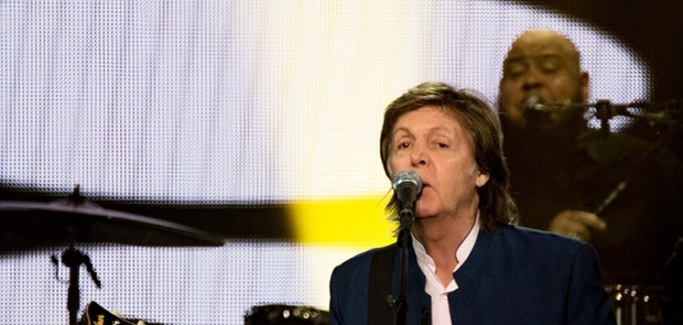 "<span class=""photo"" data-photo-id=""25792""></span><span class=""st_sharethis_button photo_sharethis"" st_url=""http://cincymusic.com/photos/2016/07/paul-mccartney#photo25792"" st_image=""http://cincymusic.com/images/photos/t_578312c625a8e.jpg"" displayText=""Share""></span>"