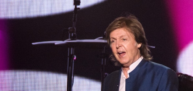 "<span class=""photo"" data-photo-id=""25795""></span><span class=""st_sharethis_button photo_sharethis"" st_url=""http://cincymusic.com/photos/2016/07/paul-mccartney#photo25795"" st_image=""http://cincymusic.com/images/photos/t_578312d38c6f2.jpg"" displayText=""Share""></span>"