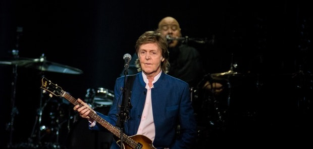 "<span class=""photo"" data-photo-id=""25797""></span><span class=""st_sharethis_button photo_sharethis"" st_url=""http://cincymusic.com/photos/2016/07/paul-mccartney#photo25797"" st_image=""http://cincymusic.com/images/photos/t_578312dcee573.jpg"" displayText=""Share""></span>"