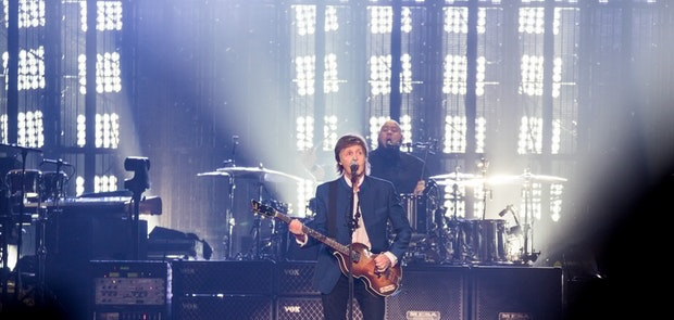 "<span class=""photo"" data-photo-id=""25798""></span><span class=""st_sharethis_button photo_sharethis"" st_url=""http://cincymusic.com/photos/2016/07/paul-mccartney#photo25798"" st_image=""http://cincymusic.com/images/photos/t_578312e0c378e.jpg"" displayText=""Share""></span>"